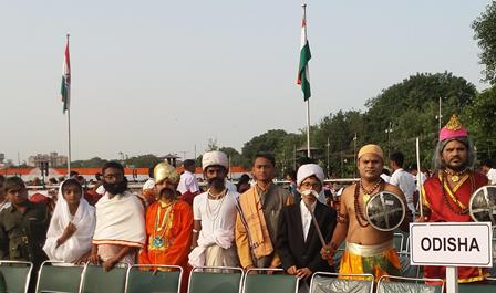 Students represent Sons of Odisha during 71st I-Day celebration at Lal Quilla