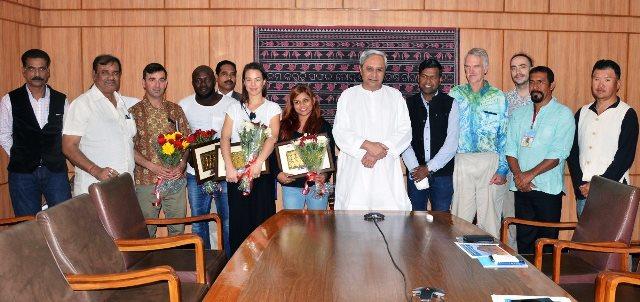 Odisha CM congratulates Sudarshan for successful Sand Art Festival